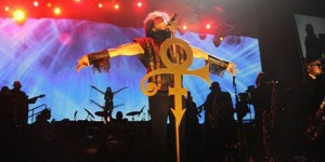 prince-performing-live-2013-636-380